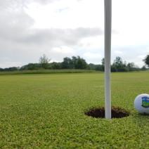 2016 Ball 1 an Fahne mit Hintergrund